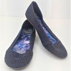Fergalicious Mosley Crochet Ballet Flats Womens